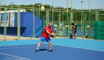 Губернатор Пензенской области Иван Белозерцев принял участие в соревнованиях по теннису
