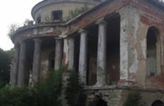 Обнародованы фотографии с места падения ребенка в Каменке