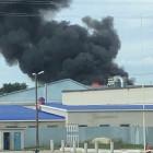 Серьезный пожар в Кузнецке: полыхает мебельная фабрика