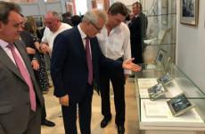 В Тарханах открыли выставку, посвященную Иосифу Кобзону и Андрею Дементьеву