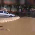Опять прорыв. На улице 8 Марта в Пензе появился новый «водоем». ВИДЕО