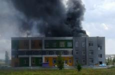 В МЧС прокомментировали пожар в строящемся садике в Засечном