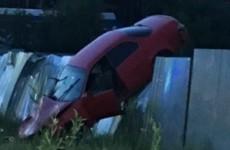 В пензенской Госавтоинспекции прокомментировали ДТП с повисшей на заборе машиной