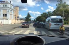 Жесткая авария в Пензе: на Южной поляне столкнулись сразу три машины