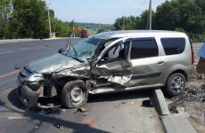 На трассе в Пензенской области разбились две легковушки, есть пострадавшие