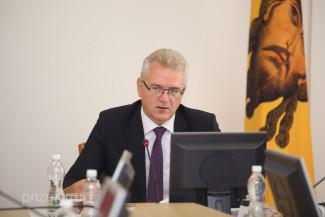 Пензенский губернатор прокомментировал перенос Дня знаний