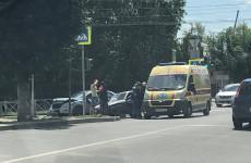 В Пензе «Яндекс.Такси» вновь стало участником жесткой аварии