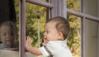 В Пензе из окна выпал двухлетний мальчик