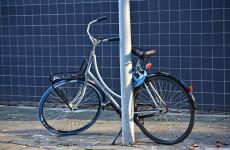 В Пензе пожилой велосипедист влетел в фонарный столб