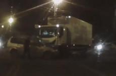 Момент столкновения грузовика и внедорожника в Пензе попал на видео