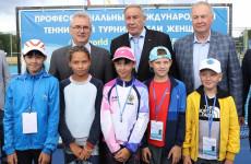 Пензенский губернатор провел теннисный матч с Шамилем Тарпищевым