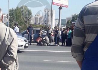 В пензенской Терновке прямо на дороге лежит человек - соцсети