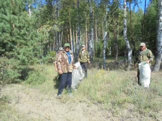 Жители Шемышейского района Пензенской области сделали лес чище