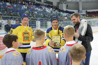 Губернатор Пензенской области наградил юных хоккеистов