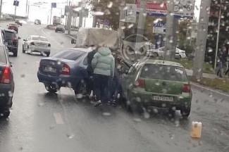 В пензенском Арбеково столкнулись две легковушки