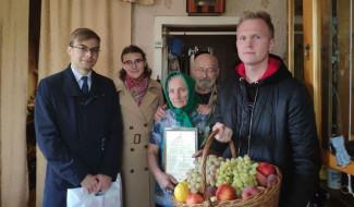 В Пензенской области депутаты Молодежного парламента поздравили с юбилеем ветерана