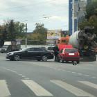 В Пензе столкнулись Mercedes и Volkswagen
