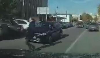 «Бессмертная». Момент, где пензячка бросается под машину, попал на видео