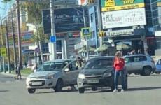 В центре Пензы не поделили дорогу две «Гранты»