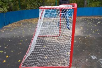 В Пензе установили новые хоккейные и футбольные ворота