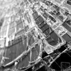 В Пензе водитель иномарки протаранил бетонное ограждение