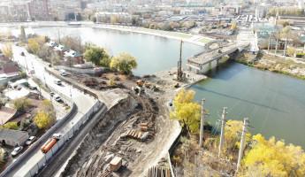 Бакунинский мост исчез наполовину. Что происходит на стройплощадке сейчас