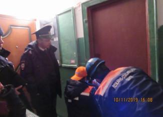 83-летняя пензячка двое суток лила воду в запертой квартире
