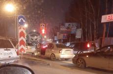 Тройное ДТП в Пензе парализовало улицу Антонова