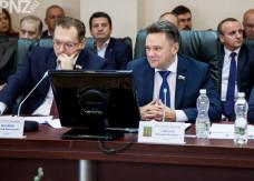Депутат Савельев требует больше денег!