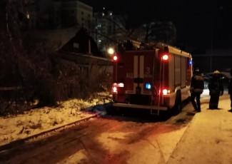 «Сгорел жилой дом». Пензенцы сообщают о серьезном пожаре