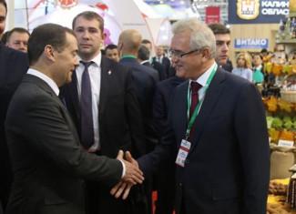 Медведев выслал Белозерцеву 873 000 000 за хорошую работу
