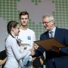 Иван Белозерцев наградил отличившихся пензенских волонтеров