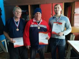 Названы имена пензенцев, победивших в соревнованиях по городошному спорту