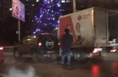 В Пензе фургон врезался во внедорожник