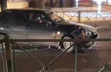 В Пензе в жесткой аварии изуродовало легковушку