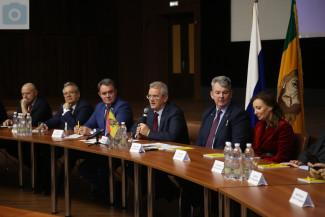 Пензенский губернатор встретился с земляками в Москве