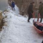 Травмированную пензячку до машины «скорой помощи» несли спасатели