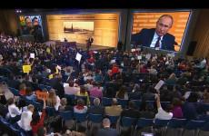 Путин предложил увеличить базовую ставку оплаты труда врачей
