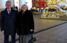 Пензенский губернатор опубликовал предновогоднее фото с супругой