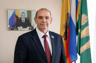 Владимир Мутовкин подвел итоги года и поздравил пензяков с праздником
