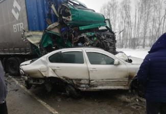 В страшной массовой аварии в Пензенской области разбились 4 машины