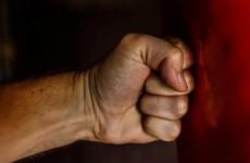 За сломанную челюсть житель Пензенской области выплатит знакомому около 50 тысяч
