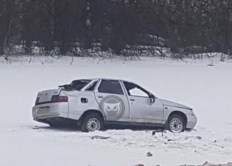 В Пензенской области оказалась в кювете отечественная легковушка