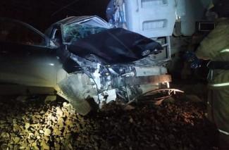 Опубликованы жуткие фото с места аварии с поездом «Пенза-Москва»
