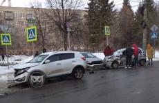 Массовое ДТП в Пензе: разбились четыре машины