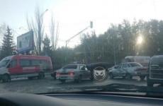В серьезном ДТП на улице Окружной в Пензе раскурочило «десятку»