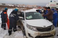Пензенские спасатели вытащили раненую женщину из покореженной машины