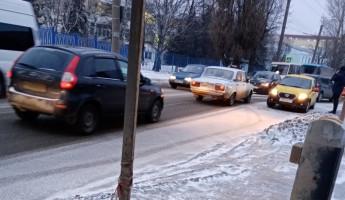 Водитель «Яндекса» виноват. Пензенцы обсуждают аварию с такси