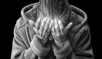 Старость – не радость. Пенсионерку изнасиловали двое мужчин
