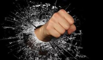 В Пензенской области мужчина избил сестру на глазах у больной матери